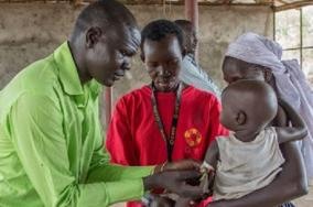 Bentiu blog: CARE's mobile clinic treats people after months of conflict